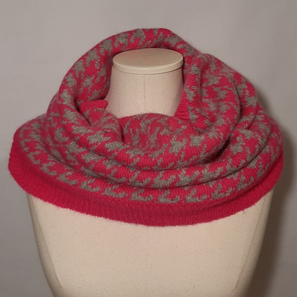 H&M infinity hot pink and gray scarf
